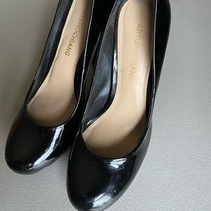 Arturo Chiang heels